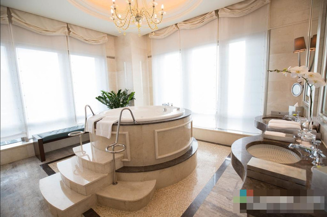 The suite where President Obama to stay at in HCM City tonight, intercontinental asiana hotel, obama, travel news, Vietnam guide, Vietnam airlines, Vietnam tour, tour Vietnam, Hanoi, ho chi minh city, Saigon, travelling to Vietnam, Vietnam travelling,