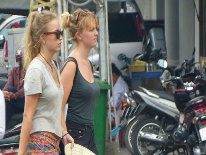 More Western Europeans visit Vietnam in May