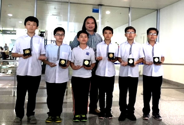 APMOPS 2016, Vietnamese kids, win gold, maths contest, Vietnam economy, Vietnamnet bridge, English news about Vietnam, Vietnam news, news about Vietnam, English news, Vietnamnet news, latest news on Vietnam, Vietnam