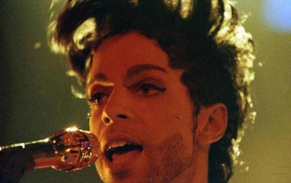 Singer Prince died of accidental painkiller overdose: medical examiner