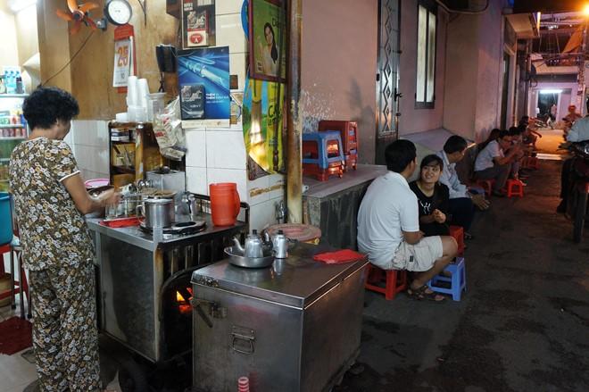 Three 50-year-old coffee shops in Saigon, travel news, Vietnam guide, Vietnam airlines, Vietnam tour, tour Vietnam, Hanoi, ho chi minh city, Saigon, travelling to Vietnam, Vietnam travelling, Vietnam travel, vn news