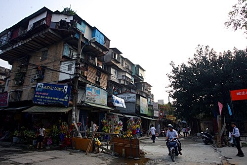 Hanoi needs $15 billion to renovate old apartment buildings