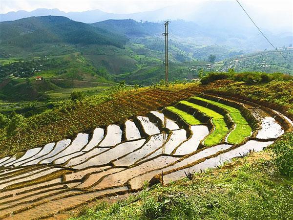 Conquering the peak of Truong Son Nam Range