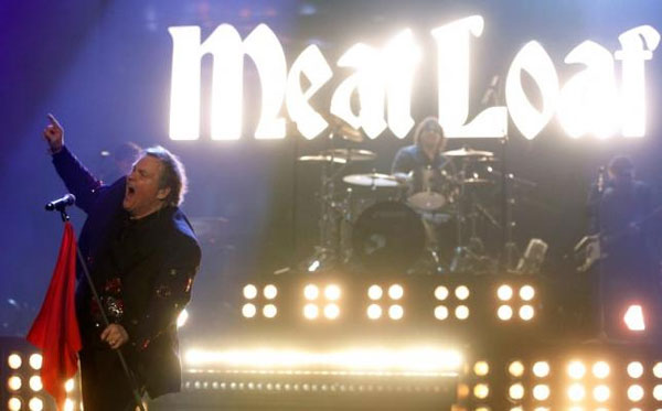 Canada, American rocker Meat Loaf, collapses, stage