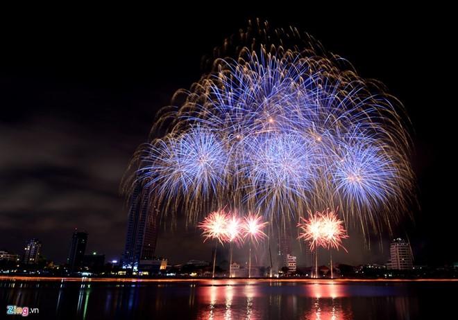 Da Nang International Fireworks Contest 2017 to last three weeks