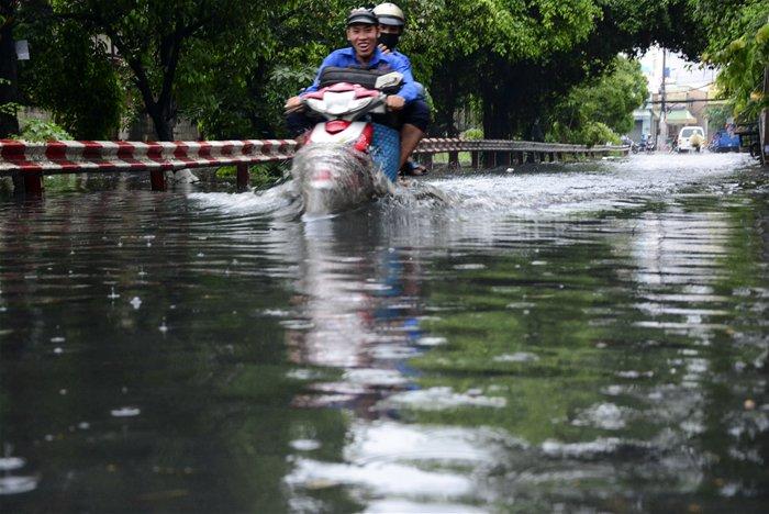 HCM City's flooding map is redrawn - News VietNamNet