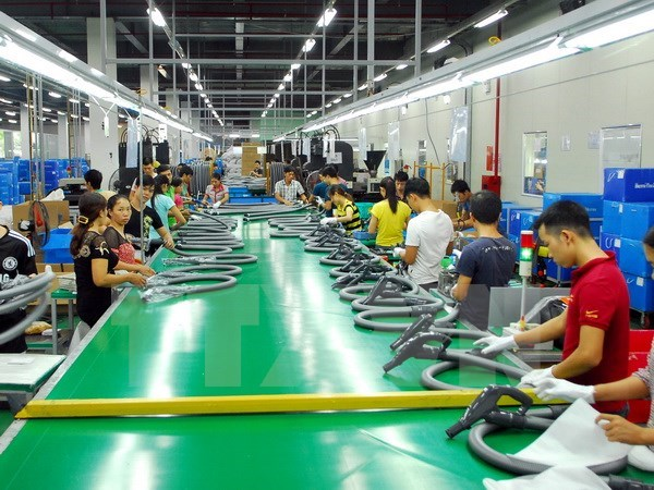 VN Labor Confederation proposes 11 percent increase in minimum wage