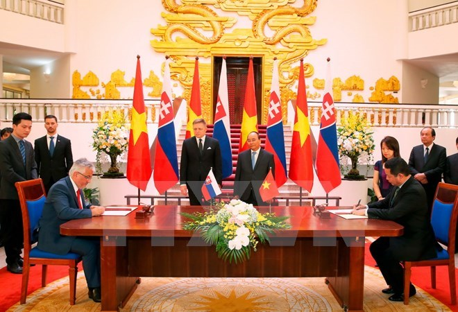 Vietnamese, Slovakian PMs seek measures for bilateral ties, Government news, politic news, vietnamnet bridge, english news, Vietnam news, news Vietnam, vietnamnet news, Vietnam net news, Vietnam latest news, vn news, Vietnam breaking news
