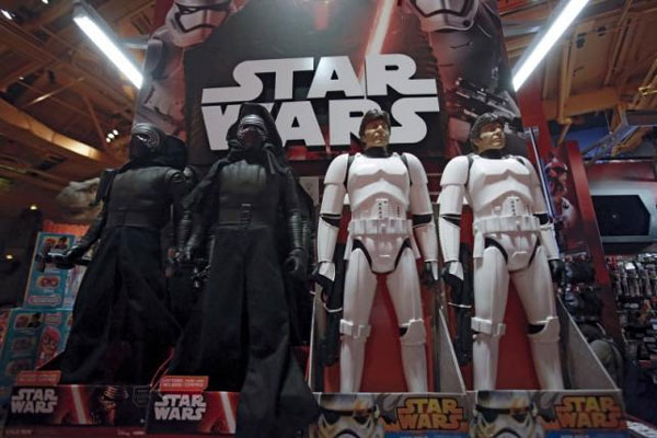 Star Wars may propel U.S. toy industry to best year since '99: NPD