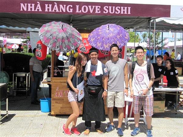 Viet Nam-Japan Culture Exchange, cosplay catwalk, flabmosh, Vietnam economy, Vietnamnet bridge, English news about Vietnam, Vietnam news, news about Vietnam, English news, Vietnamnet news, latest news on Vietnam, Vietnam