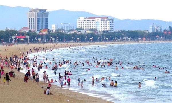 Central beaches, returned to safe levels, cancelled tours, Vietnam economy, Vietnamnet bridge, English news about Vietnam, Vietnam news, news about Vietnam, English news, Vietnamnet news, latest news on Vietnam, Vietnam