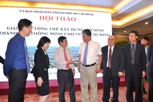 Experts mull how to make HCM City 'smart'
