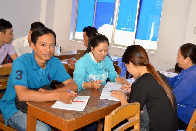 Many MA, bachelor degree graduates remain unemployed