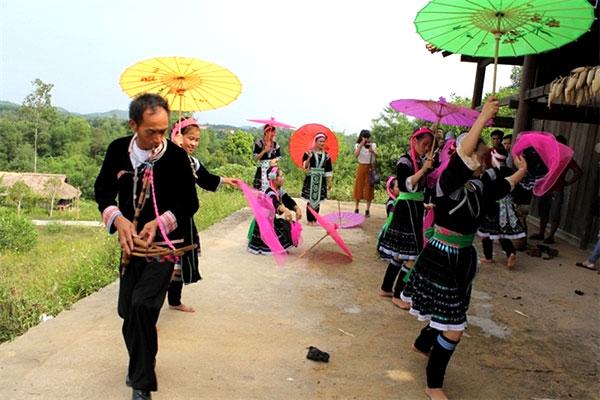Viet Nam's National Day, play traditional games, celebrate, Vietnam economy, Vietnamnet bridge, English news about Vietnam, Vietnam news, news about Vietnam, English news, Vietnamnet news, latest news on Vietnam, Vietnam