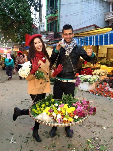 Young Palestinian man, speak Vietnamese fluently, traditional cake, Vietnam economy, Vietnamnet bridge, English news about Vietnam, Vietnam news, news about Vietnam, English news, Vietnamnet news, latest news on Vietnam, Vietnam