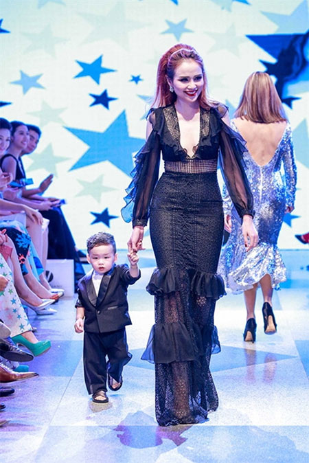 Junior Fashion Week, Vietnam Junior Fashion Week, Vietnamese fashion houses, Vietnam economy, Vietnamnet bridge, English news about Vietnam, Vietnam news, news about Vietnam, English news, Vietnamnet news, latest news on Vietnam, Vietnam