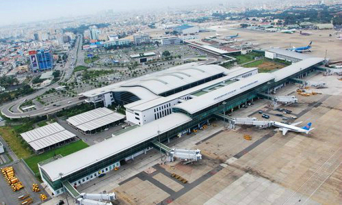 Airports Corporation of Vietnam reports losses for the first time