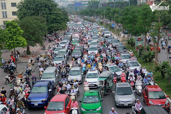 Hanoi's traffic nightmare and motorbike bans