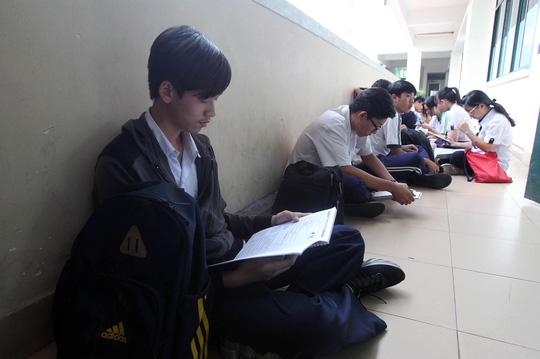 High schools struggle to prepare for new finals