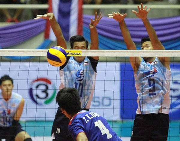 Viet Nam lose to Thailand, out of World Cup