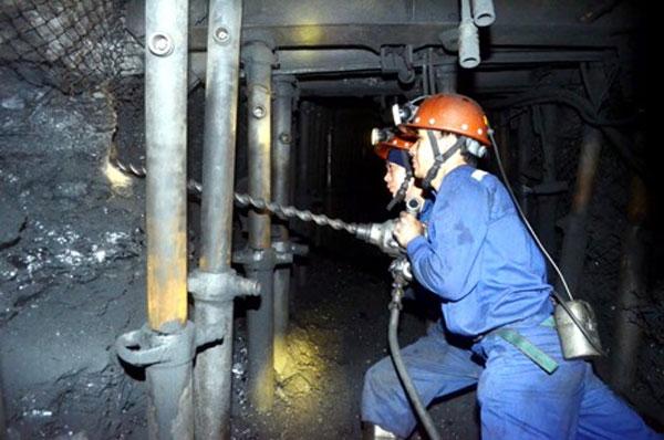 Quang Ninh, coal mines, labour safety violations, Vietnam economy, Vietnamnet bridge, English news about Vietnam, Vietnam news, news about Vietnam, English news, Vietnamnet news, latest news on Vietnam, Vietnam