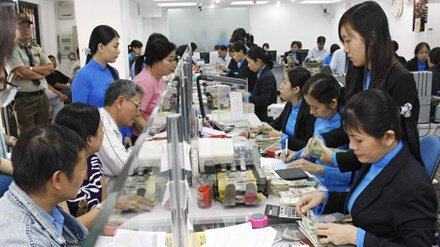 Exchange market peaceful, stable exchange rate beneficial to economy