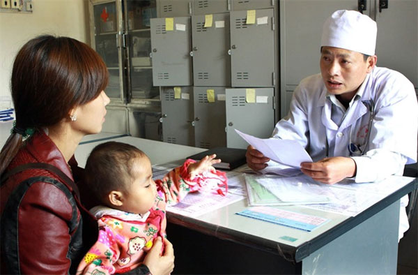 Vietnam aims to reduce mother-to-child transmission rate of HIV to under 2 percent