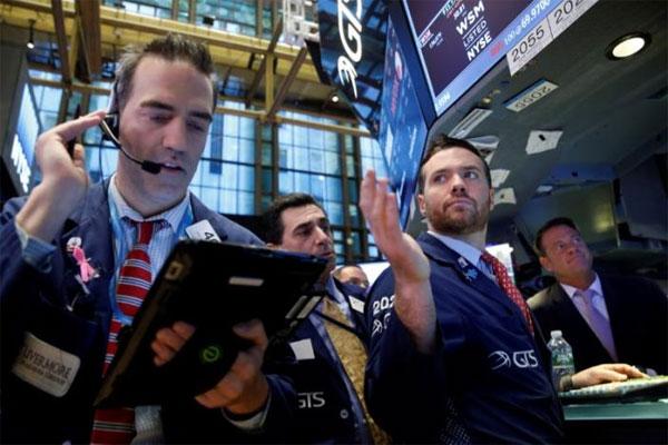 After initial Trump trade, politics keep stocks on edge