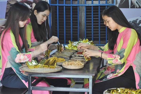 Hue, royal lotus tea, organic farms, Vietnam economy, Vietnamnet bridge, English news about Vietnam, Vietnam news, news about Vietnam, English news, Vietnamnet news, latest news on Vietnam, Vietnam