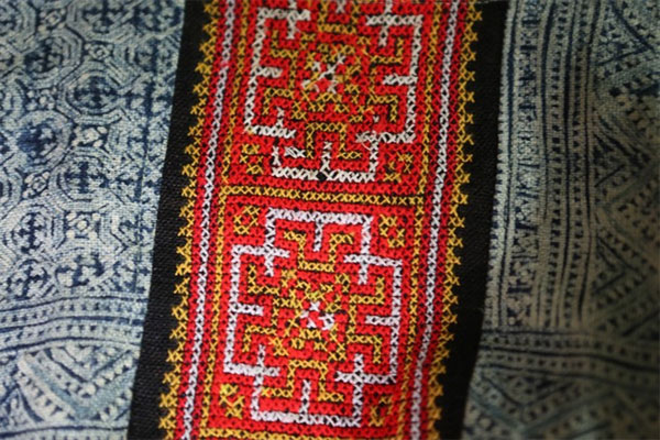 Hop Tien Linen Weaving Co-operative, Mong people, traditional skill, Vietnam economy, Vietnamnet bridge, English news about Vietnam, Vietnam news, news about Vietnam, English news, Vietnamnet news, latest news on Vietnam, Vietnam