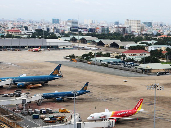 Vietnamese air carriers warned they may lose in home market