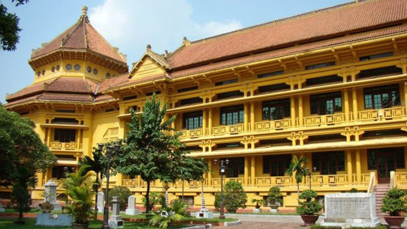 Beautiful old French buildings in Hanoi, french colonial architecture in hanoi, old buildings in Hanoi, french architecture, travel news, Vietnam guide, Vietnam airlines, Vietnam tour, tour Vietnam, Hanoi, ho chi minh city, Saigon, travelling to Vietnam,