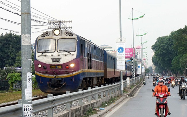 Railway investment lags far behind road expenditures
