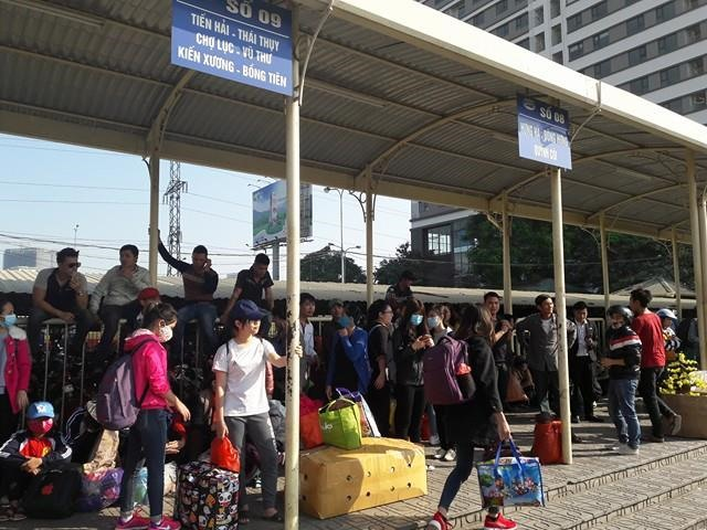 Hanoi bus operators protest route changes
