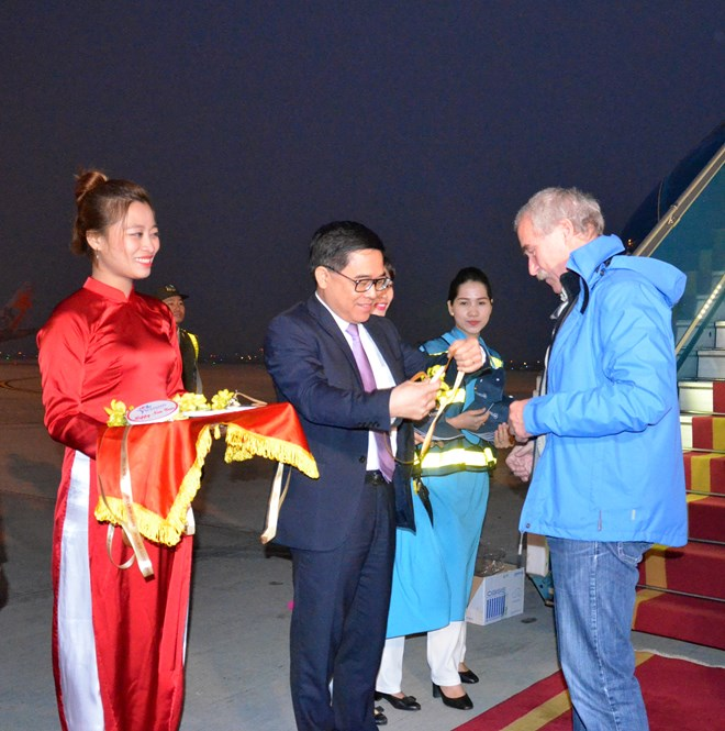 Hanoi, HCMC, Da Nang welcome first foreign visitors of 2017