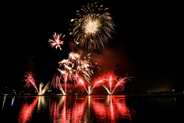 Da Nang Fireworks Festival 2017 to attract 2 million visitors, travel news, Vietnam guide, Vietnam airlines, Vietnam tour, tour Vietnam, Hanoi, ho chi minh city, Saigon, travelling to Vietnam, Vietnam travelling, Vietnam travel, vn news