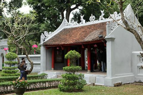 Hanoi's Temple of Literature gets a new coat, entertainment events, entertainment news, entertainment activities, what's on, Vietnam culture, Vietnam tradition, vn news, Vietnam beauty, news Vietnam, Vietnam news, Vietnam net news, vietnamnet news, vietna