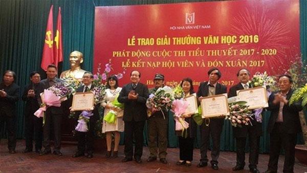 2016 literature awards, translator, win, Vietnam economy, Vietnamnet bridge, English news about Vietnam, Vietnam news, news about Vietnam, English news, Vietnamnet news, latest news on Vietnam, Vietnam
