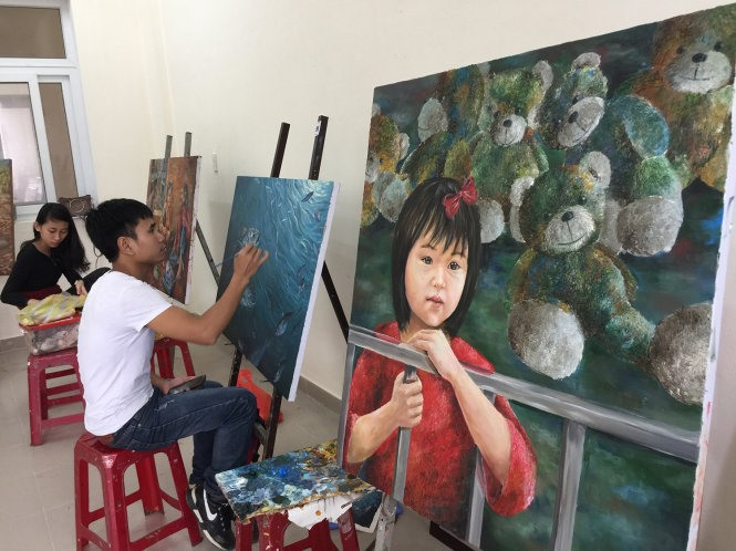 Hue College of Arts' majors face suspension from training