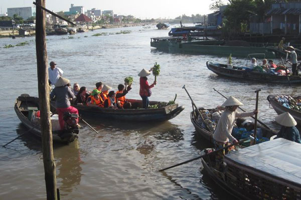 Can Tho City, floating market, banh hoi, Vietnam economy, Vietnamnet bridge, English news about Vietnam, Vietnam news, news about Vietnam, English news, Vietnamnet news, latest news on Vietnam, Vietnam