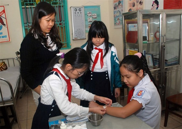 Hanoi strives to better school healthcare