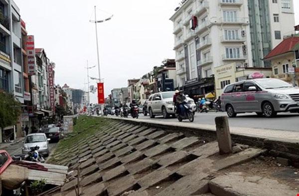 Gov't responds to Hanoi dyke proposal