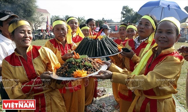 Traditional cake festival in pictures