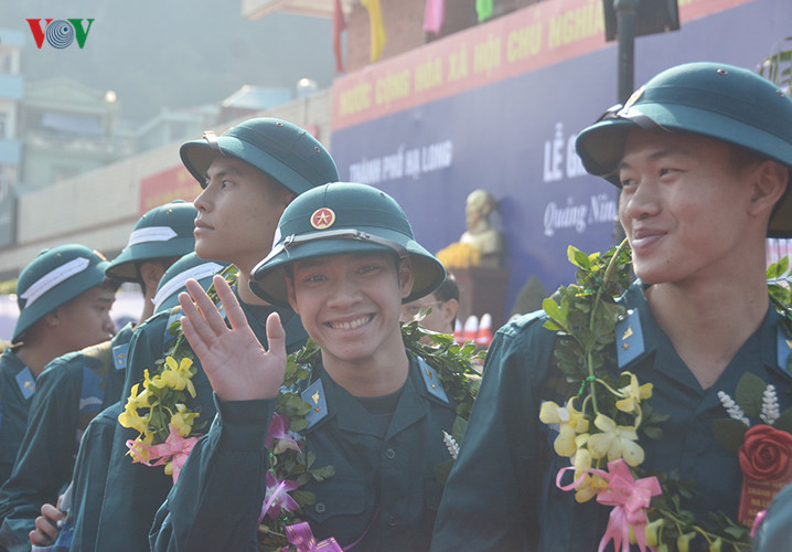Thousands of youth voluntarily sign up for military service