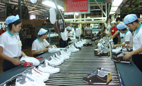 Wide range of customs issues tabled at APEC meeting, Footwear exports tend to rise from midyear, Barriers challenge Vietnam investors in Laos, Cambodia, Ministry told to seek ways to catch up with new industrial revolution