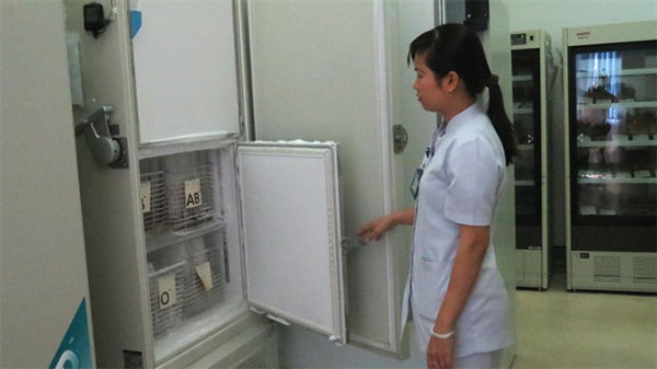 HCM City blood bank stores frozen red blood cells for 10 years, godsend in emergency