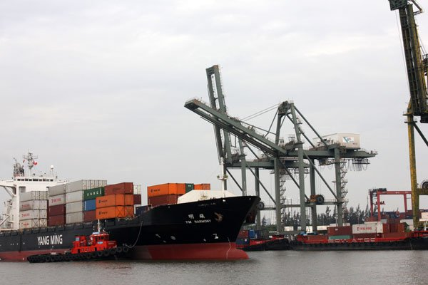 Trade deficit returns to haunt Vietnam, vietnam economy, business news, vn news, vietnamnet bridge, english news, Vietnam news, news Vietnam, vietnamnet news, vn news, Vietnam net news, Vietnam latest news, Vietnam breaking news