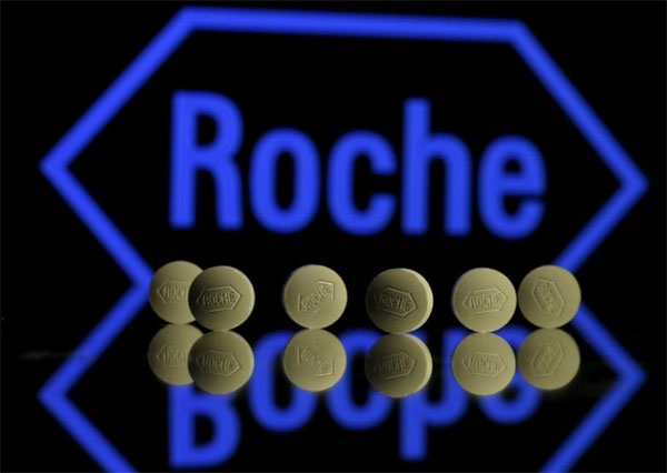 Roche trial finds new drug cocktail cuts breast cancer deaths