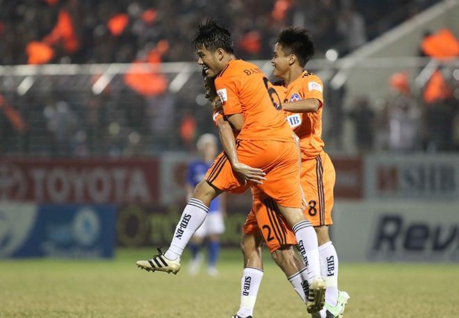 SHB Da Nang win on lucky Hòa Xuân Stadium
