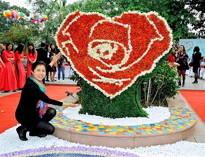 Rose-themed artwork at the ongoing festival in Hanoi's Reunification Park